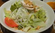 蒸し鶏と野菜の冷麺