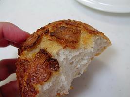 ボンボランテ バター味の皮つきパン4
