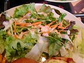 チキンと玉子のピザベーグルサンドのプレート4