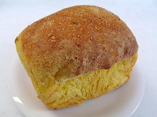 ともよちゃん 南瓜ミートパン1