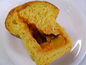 ともよちゃん 南瓜ミートパン2
