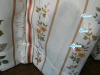 ラッキーがオシ〇コをかけたカーテン、、、