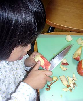 リンゴ剥き