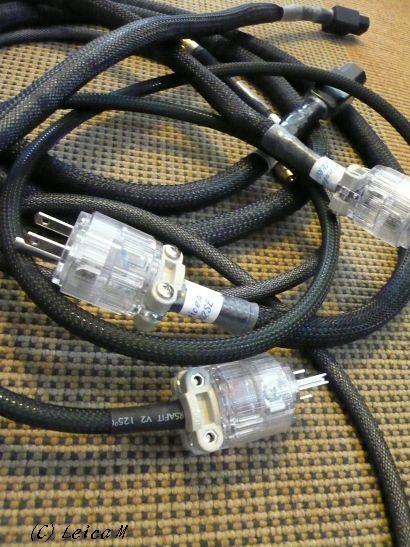 持ち込んだ電源ケーブル