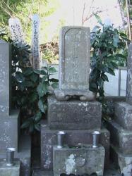 龍源寺・近藤勇墓石