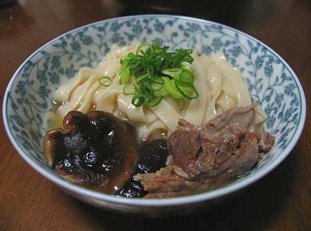 taitan_gyuusuji_simatsu_udon_00.jpg