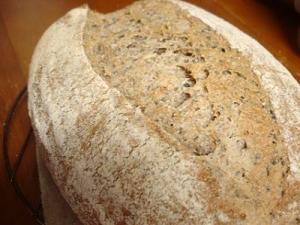 ライ麦セサミブレッド