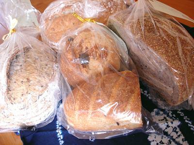 こけっこさん、沢山のパンどうもありがとう!