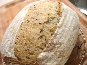黒ゴマひじきパン