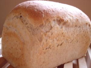 おいもライ麦色々食パン1
