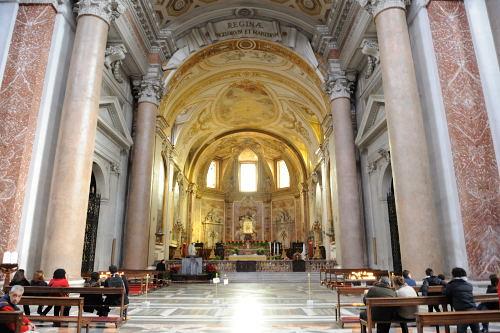 サンタ・マリア・デリ・アンジェリ教会の内部