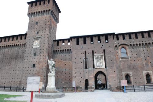 スフォルツェスコ城の中