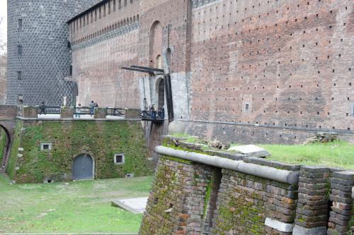 スフォルツェスコ城の城壁