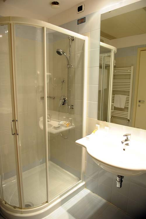 BEST WESTERN HOTEL PRESIDENTのバスルーム