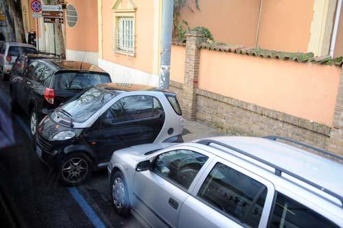 無理やり駐車