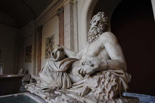 ヴァチカン美術館の彫刻4