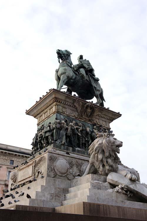 ヴィットリオ・エマヌエーレ2世騎馬像