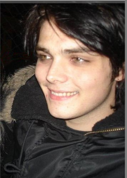 Gerard_Way--large-msg-120740553097.jpg