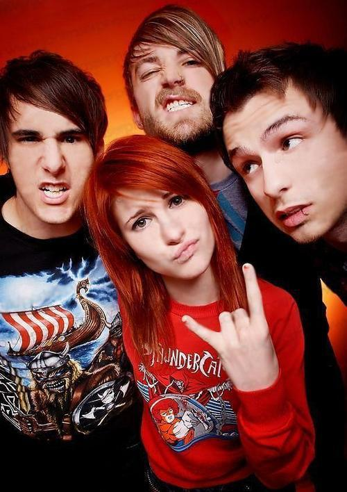 PARAMORE--large-msg-121280228363.jpg