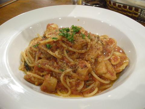 ポルチーニの太麺パスタ