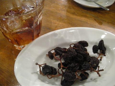 枝つき干葡萄