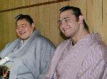引退・琴の若(左)/大関昇進・琴欧州(右)