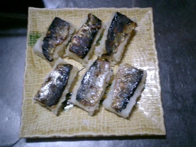 04) 出来上がりのつもり。寿司飯は予め作っておいた。