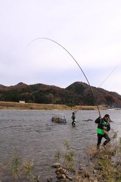 いそべ 荒川 鮭さけ釣り 渓本尺抜倶楽部
