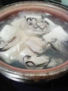 牡蠣湯豆腐