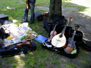 YamasitaPark_instruments.jpg