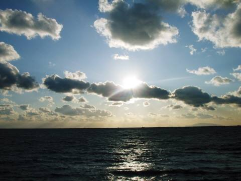 海と雲と太陽
