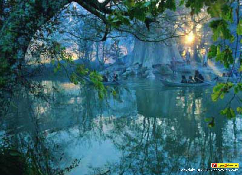 ロスロリアンの池、出発シーン