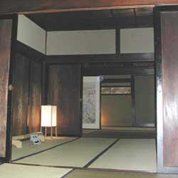 日野宿室内