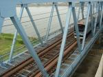 高架から見える電車