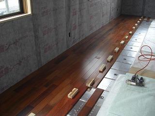 桜新町小林様現場外装、内装床張り 001