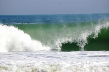 大荒れの海!