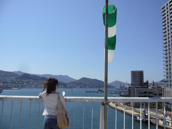 旭大橋を横切る風