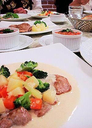 豚ヒレ肉のフリカッセ