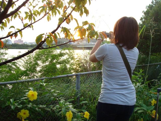 湖を撮る美緒さん