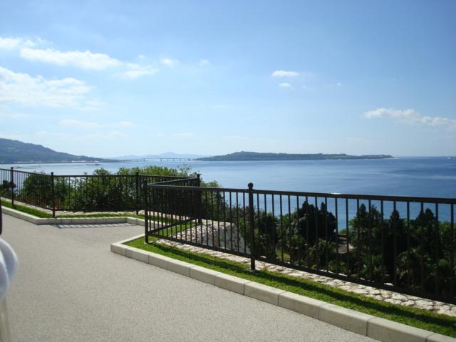 沖縄の海と空は綺麗っす