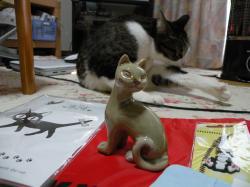 猫の置物100108