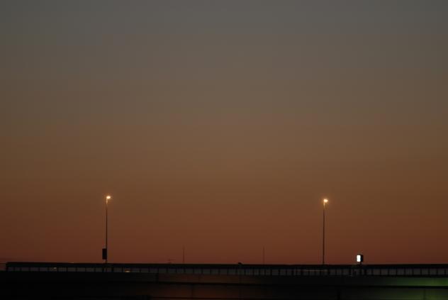 荒川の夜明け