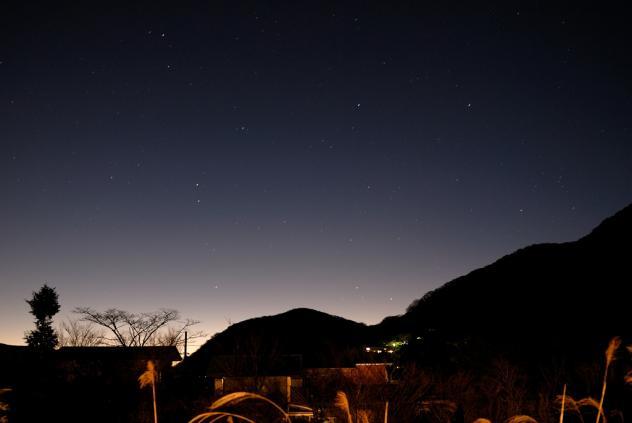 箱根の夜明け