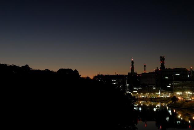 国立劇場横からお堀の夜明け