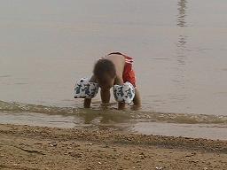キャンプで、水遊び06