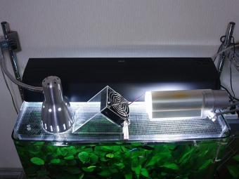 メイン水槽の照明