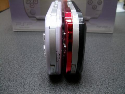 PSP-2000_19.jpg