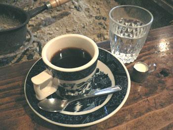 囲炉裏とコーヒー