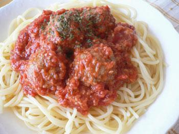 ミートボールのトマトスパ