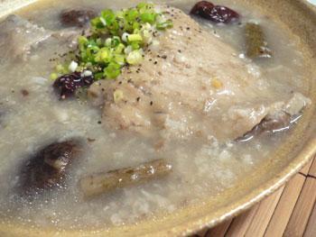 参鶏湯(サンゲタン)